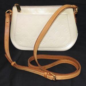 LOUIS VUITTON Minna cream crossbody handbag France